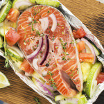 Fersk fisk med grønnsaker